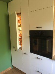 Konyhabútor beépíthető hűtőszekrénnyel