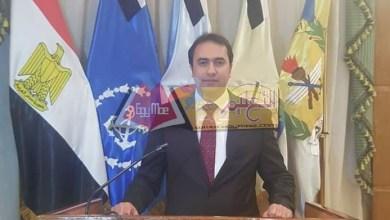 Photo of عمر يحذر المعلمين من الشهادات المزورة