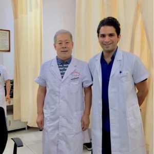 دكتور احمد رضا (ابر صينيه)