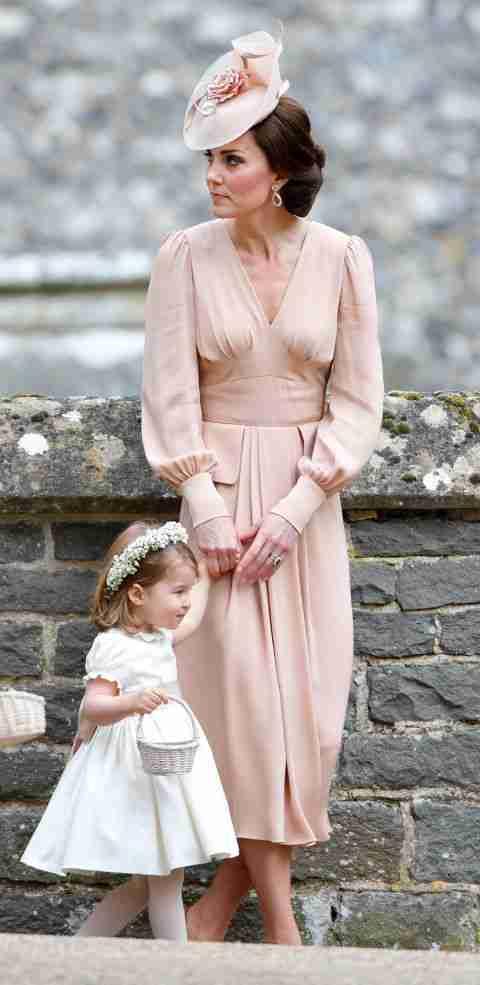 Kate Middleton in abito rosa cipria al matrimonio di Pippa