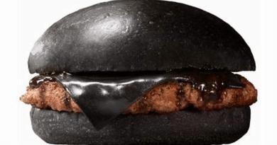 black hamburger