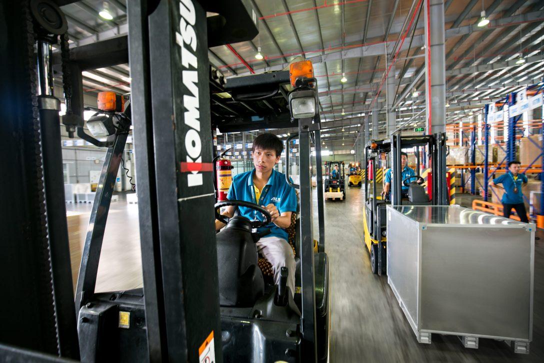 Vietnam Photographer Vietnam Corporate Photographer Ehrin Macksey