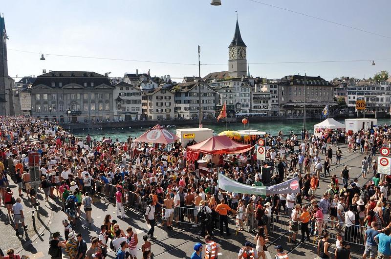 11.08.2012 Streetparade Zürich - Bilder und Videos (1/6)