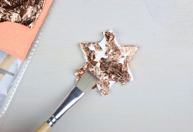 Aufbringen des Blattmetalls in Kupfer