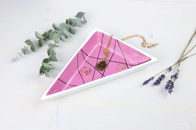 DIY geometrische Schmuckschale aus lufttrocknender Modelliermasse.