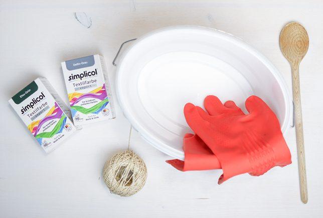Benötigte Materialien für das Färben mit der Dip-Dye Methode.