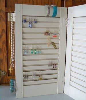Quick and easy jewelry rack