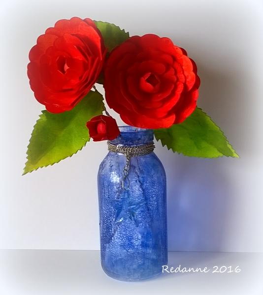 Eileen Hull Paper Flower Tutorials: Sizzix Romance Flower with Distressed Vase by Anne Redfern