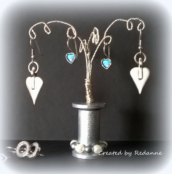 Twist and Style Tool Project Ideas: Wire Earring Tree Tutorial by Anne Redfern