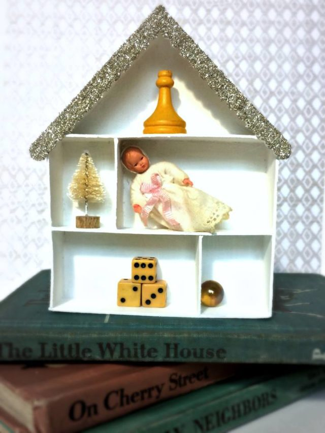 Unique Heartfelt Sizzix Tutorials: House Pocket Curio by Michelle Zerull