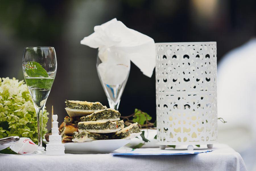 Mit viel Mühe wurden beim Weißen Dinner leckere Speisen vorbereitet. Foto: Marcel Ruhnau