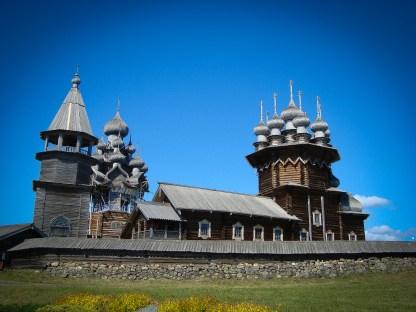 Zur Abwechslung mal etwas Kulturprogramm... Wir besuchen das Freiluftmuseum auf der Kischi-Insel im Onegasee mit seinem einzigartigen Holzkirchenensemble.