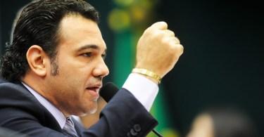 """Feliciano abre guerra contra resolução """"libera-geral"""" do governo Dilma"""