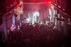Maior culto público a Satanás ocorre com show de heavy metal