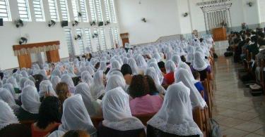 As mulheres deveriam usar os véu enquanto oram?