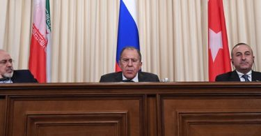 """Aliança """"profética"""" de Rússia, Irã e Turquia se fortalece após morte de embaixador"""