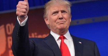Trump corta financiamento de clínicas de aborto