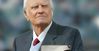 Billy Graham pede que cristãos lutem contra as tentações