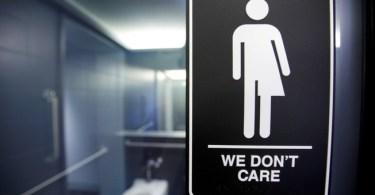 """Trump anula regra sobre banheiros de acordo com """"identidade de gênero"""""""