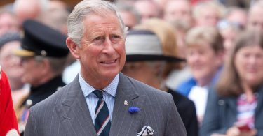 """Príncipe Charles atua em defesa dos cristãos perseguidos: """"A intolerância é inacreditável"""""""