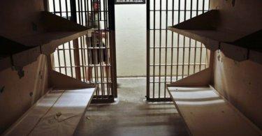 Muçulmano se converte na prisão após ser impactado pelo amor de cristãos