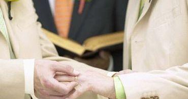 Igreja Episcopal da Escócia aprova casamento gay
