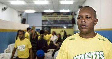 """""""Ajudar as pessoas me faz bem"""", diz cristão que saiu da Cracolândia"""