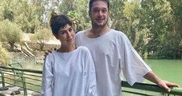 Fernanda Paes Leme se batiza em Israel