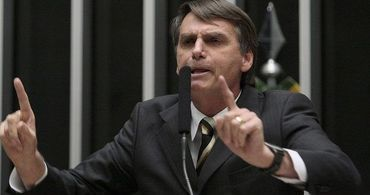 Bolsonaro processa padre que o chamou de homofóbico