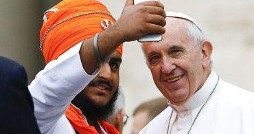 Papa Francisco condena perseguição contra muçulmanos