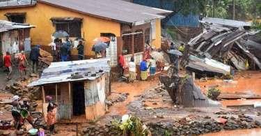 Fortes chuvas inundam igreja e matam 60 cristãos que faziam vigília, em Serra Leoa