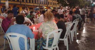 Igreja em Belém faz ceia para moradores de rua