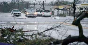 Meninas sobrevivem à destruição provocada por tornado após clamarem a Jesus