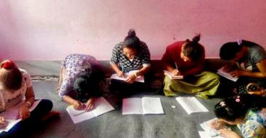 Após projeto de alfabetização, cristãos no Butão podem ler a Bíblia sozinhos