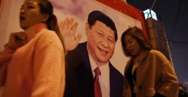 Partido Comunista obriga cristãos a trocarem versículos por fotos do presidente, na China