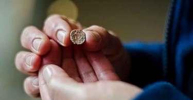 Arqueólogos encontram selo de governador de Jerusalém e comprovam registros bíblicos