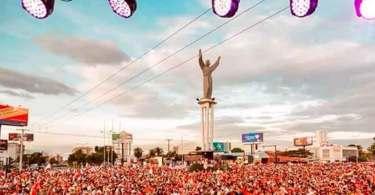 """Milhares de pessoas vão às ruas para declarar que """"Jesus é o Senhor da Bolívia"""""""