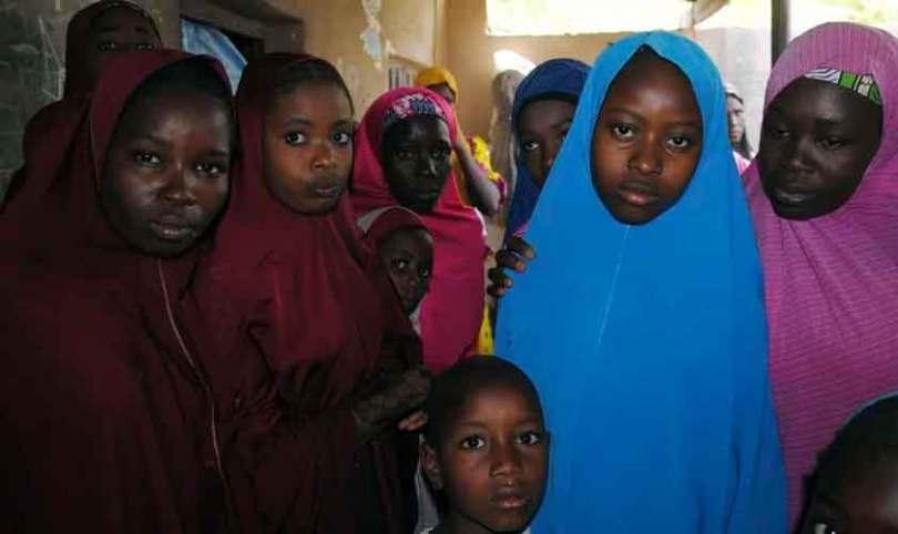 Mais de 70 meninas são libertadas de cativeiro do Boko Haram, após intervenção do governo