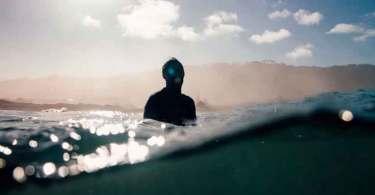 Homem sobrevive a ataque de tubarão após ter visão de Jesus