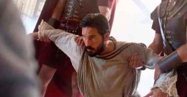 """Jim Caviezel diz que foi chamado para levar Cristo a Hollywood: """"Temos que ser amor"""""""
