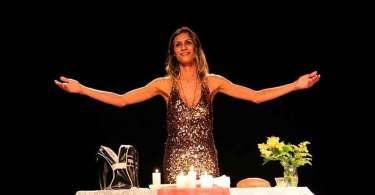 Juiz suspende peça que mostra Jesus como transexual, em arena no RJ