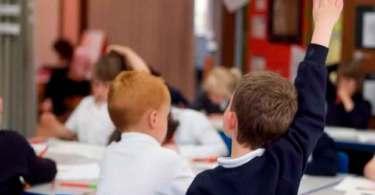 Crianças de seis anos são usadas para promover ideologia de gênero nas escolas da Escócia