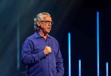 Você só viverá seu chamado quando posicionar o coração em Deus, diz Bill Johnson