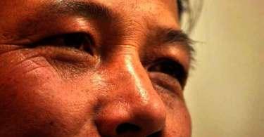 Budistas forçam pastor a beber urina de vaca por não negar sua fé