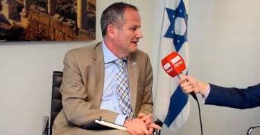 """Embaixador de Israel elogia cristãos brasileiros: """"É um povo de amor incondicional"""""""