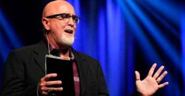 """""""O principal tipo de evangelismo que vemos nas Escrituras é o 'um a um'"""", diz pastor"""