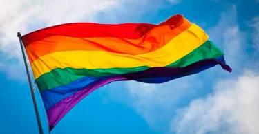 """""""Não importa o pecado, Deus oferece perdão e salvação"""", diz pastor sobre homossexualidade"""