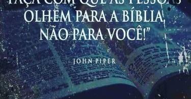"""""""Em suas pregações, faça com que as pessoas olhem para a Bíblia e não para você."""""""