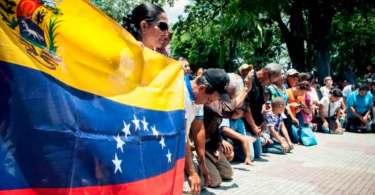 Governo da Venezuela impede que igrejas doem alimentos para população