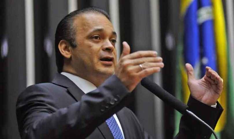 """""""Nosso país viverá um novo tempo de paz e prosperidade"""", diz Lucena em sessão no Congresso"""